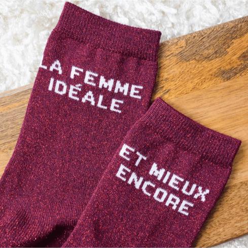 """chaussettes dépareillées femme  bordeaux """"Léa La Femme Parfaite et mieux encore"""" made in France"""