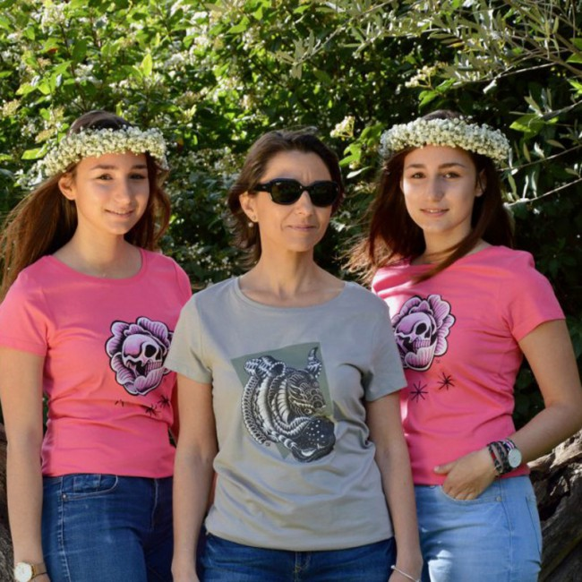 "Tee shirt stylé pour femme ""Skull chou rose"""