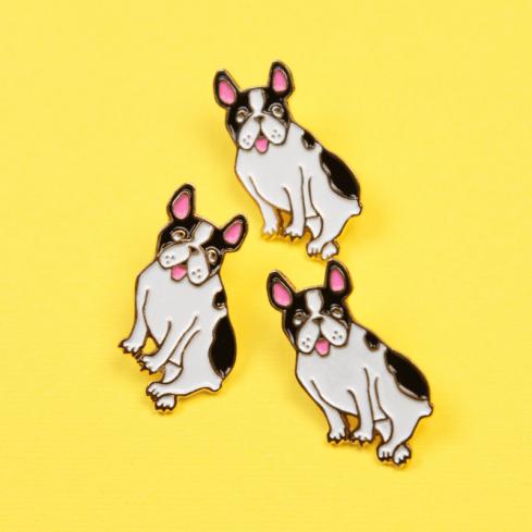 """Pin's chien """"Bouledogue"""" Coucou Suzette"""