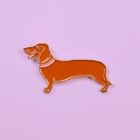 """Pin's Coucou Suzette rigolo chien """"Teckel"""" Coucou Suzette"""